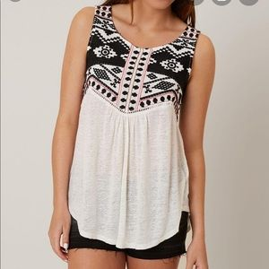 [Lucky Brand] Embroidered Tank Top